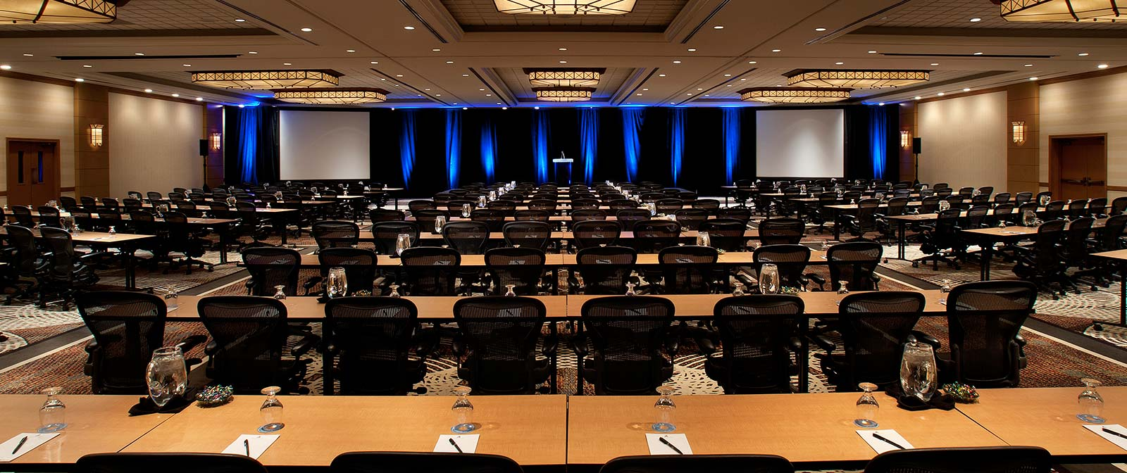 5843d1d65ebb0_int-meetings-Conference-Setup2.jpg